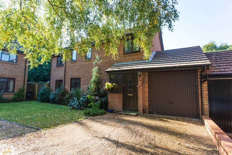 4 Bedrooms Detached House for sale in Leybourne Close, Walderslade