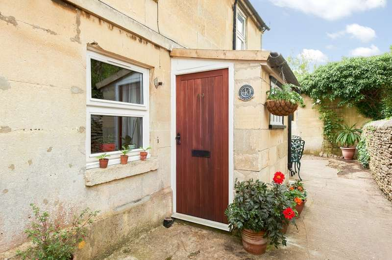 2 Bedrooms Cottage House for sale in Pickwick Road, Corsham