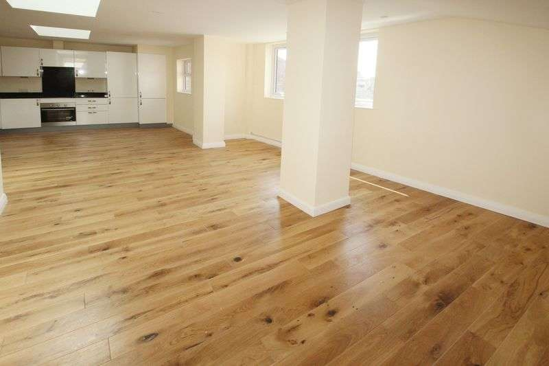 2 Bedrooms Flat for sale in Apartment 8, Croft House, East Street, Tonbridge
