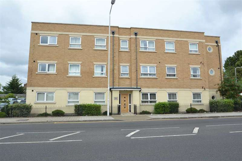 2 Bedrooms Flat for sale in Cranbrook Road, Gants Hill, Ilford