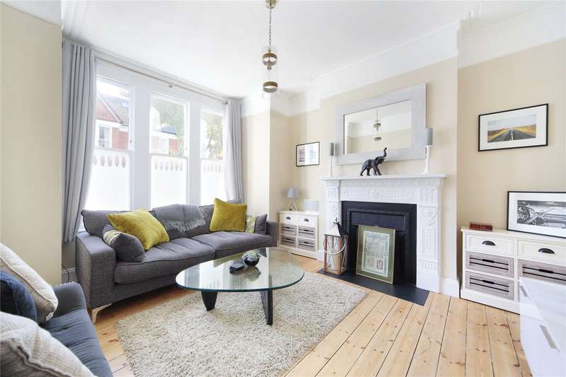 2 Bedrooms Maisonette Flat for sale in Beira Street, Clapham South, London, SW12