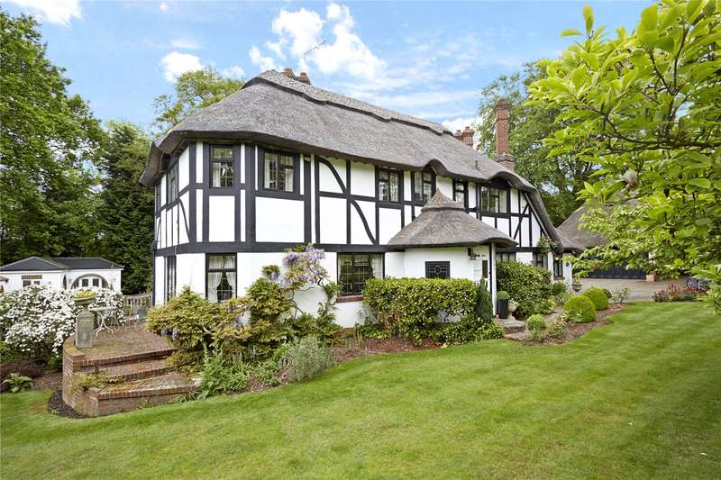 4 Bedrooms Detached House for sale in Forest Drive, Kingswood, Tadworth, Surrey, KT20