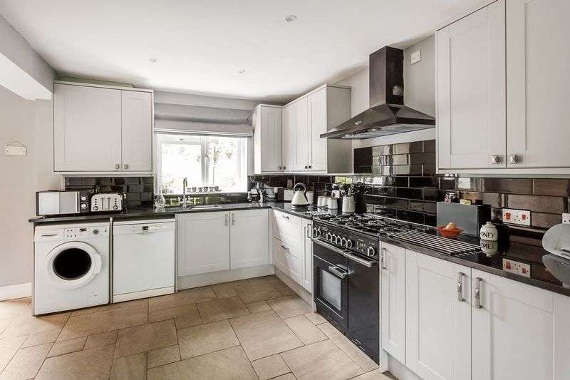 4 Bedrooms Semi Detached House for sale in Furzefield Road, East Grinstead