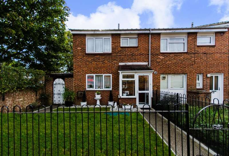 3 Bedrooms House for sale in Robert Keen Close, Peckham Rye, SE15