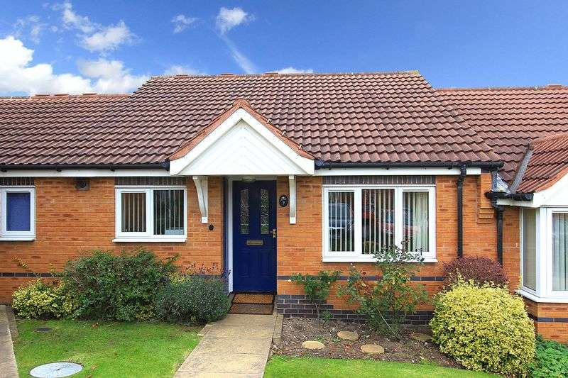2 Bedrooms Bungalow for sale in BILBROOK, Crompton Court