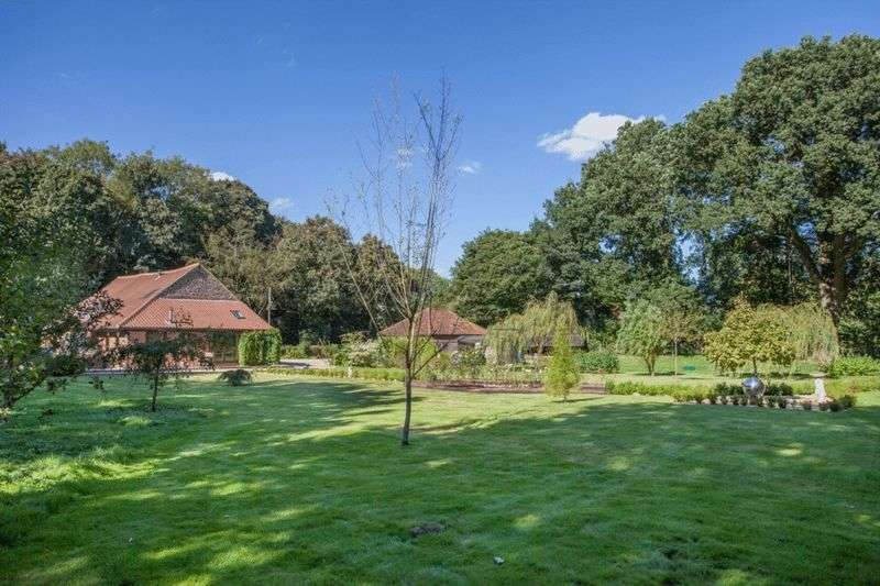 4 Bedrooms Property for sale in Weston Longville