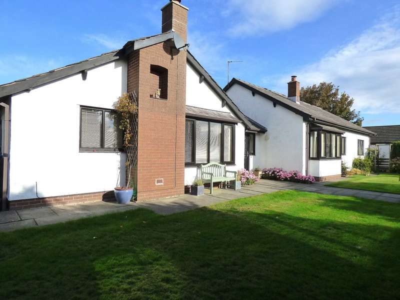 4 Bedrooms Detached Bungalow for sale in Fieldway, St Annes