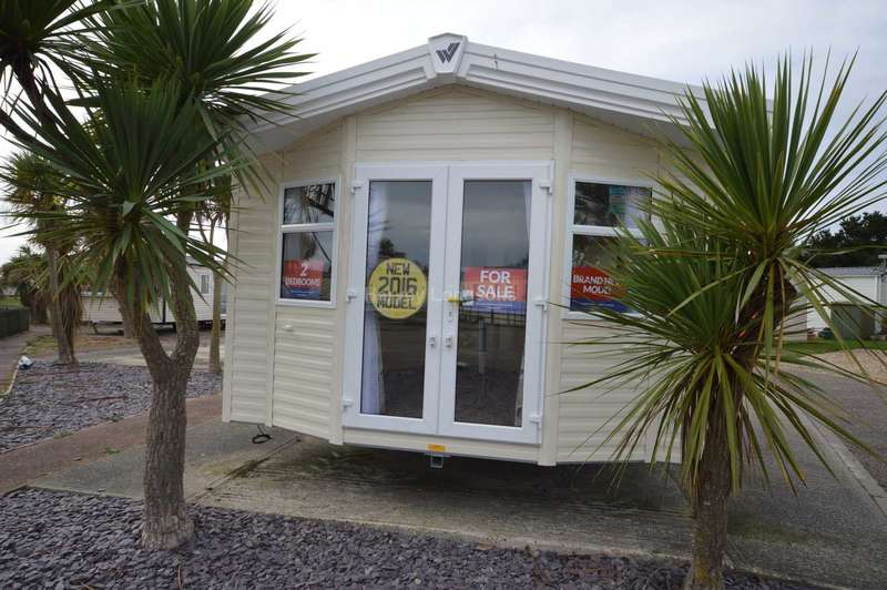 2 Bedrooms Caravan Mobile Home for sale in Suffolk Sands Holiday Park, Carr Road, Felixstowe