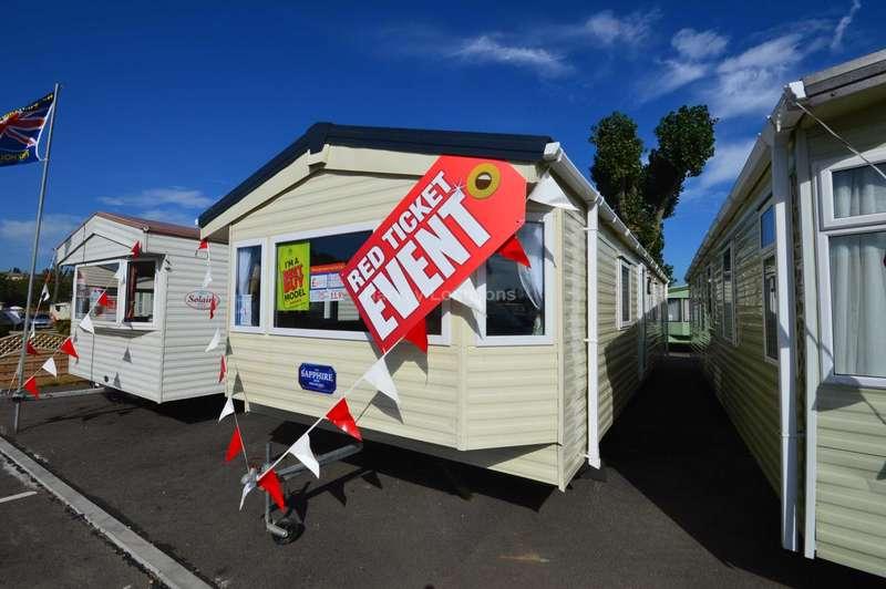 2 Bedrooms Caravan Mobile Home for sale in Felixstowe Beach Holiday Park, Walton Avenue, Felixstowe