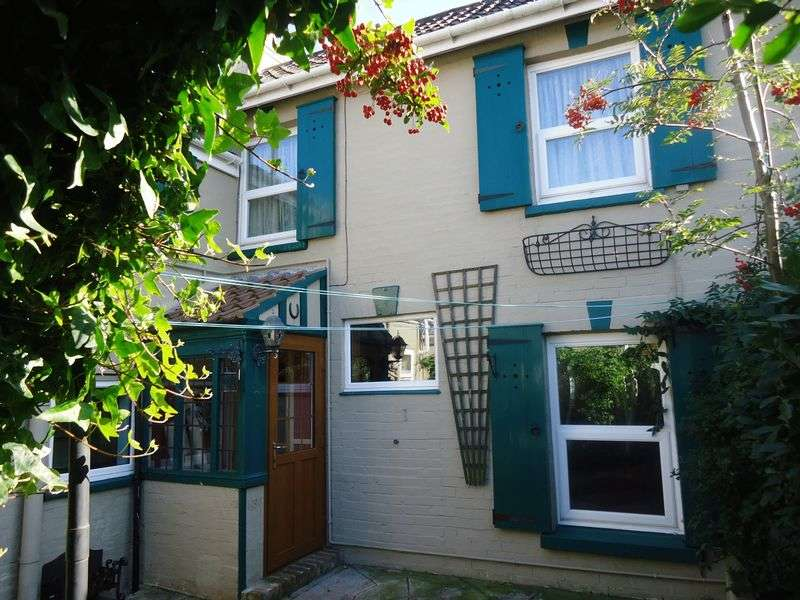 2 Bedrooms Cottage House for sale in George Street, Weston-Super-Mare