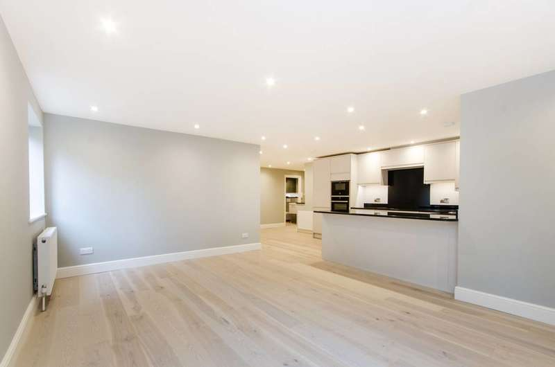 2 Bedrooms Flat for sale in Worple Road, Wimbledon, SW20