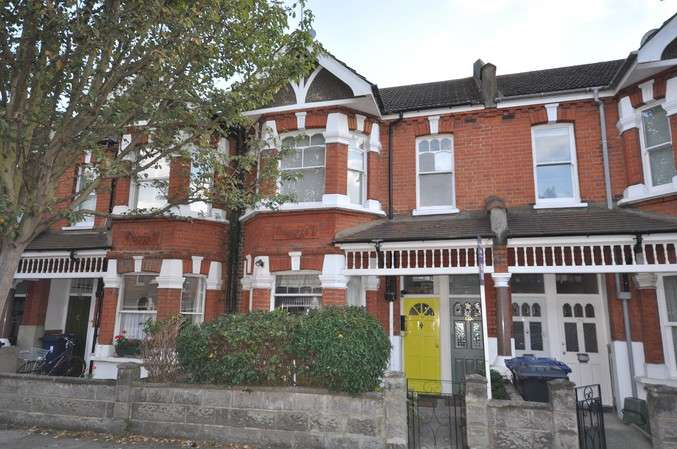 3 Bedrooms Flat for sale in Valetta Road, Acton