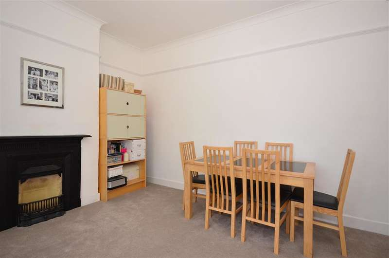 2 Bedrooms Flat for sale in Lenham Road, Sutton, Surrey