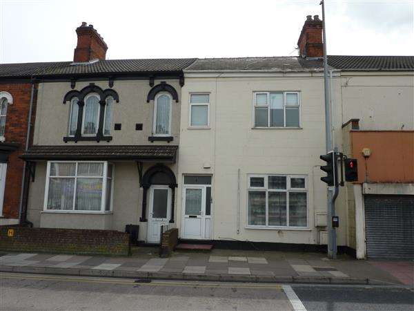 3 Bedrooms Apartment Flat for sale in GRIMSBY ROAD, CLEETHORPES
