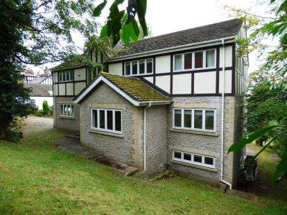 4 Bedrooms Detached House for sale in Light Alders Lane, Disley, Stockport, Cheshire