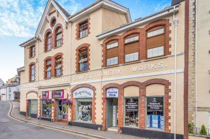 2 Bedrooms Flat for sale in Barley Market Street, Tavistock, Devon