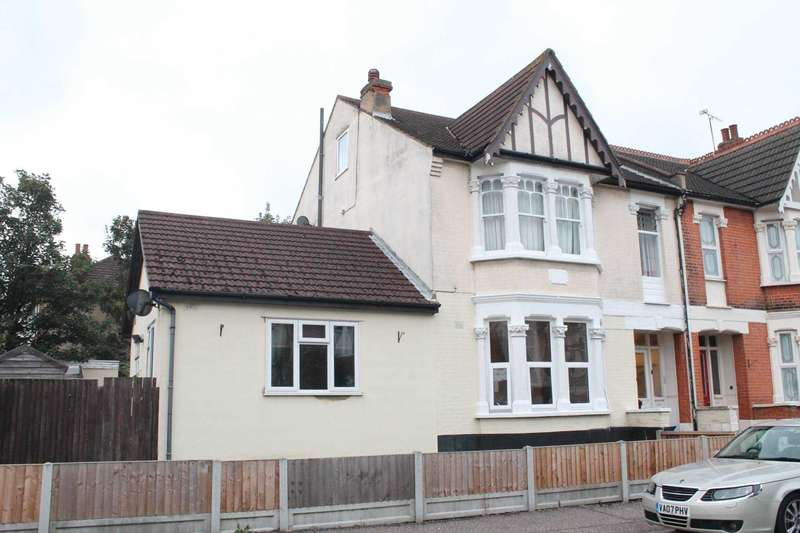 2 Bedrooms Flat for sale in Westborough Road, Westcliff On Sea