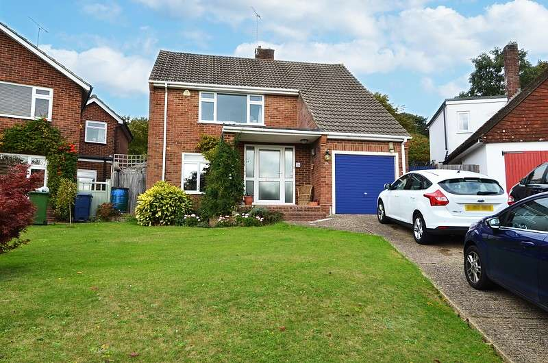 3 Bedrooms Detached House for sale in Goddington Road, Bourne End, SL8