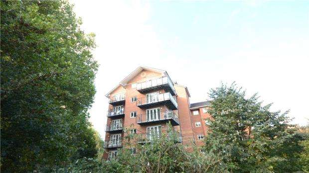 2 Bedrooms Apartment Flat for sale in Capital Point, Temple Place, Reading