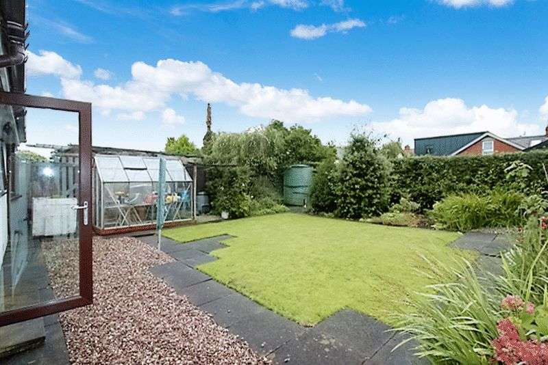 3 Bedrooms Detached Bungalow for sale in Baylton Drive, Preston, PR3 0EA