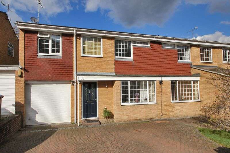 4 Bedrooms Semi Detached House for sale in Hazel Way, Crawley Down, West Sussex