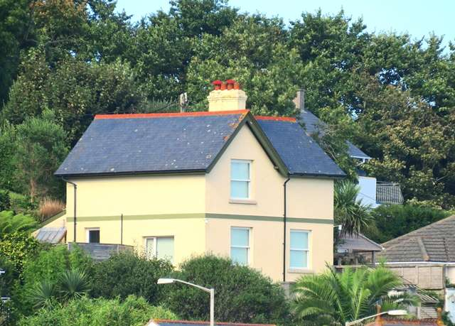 3 Bedrooms Detached House for sale in The Old Barracks House