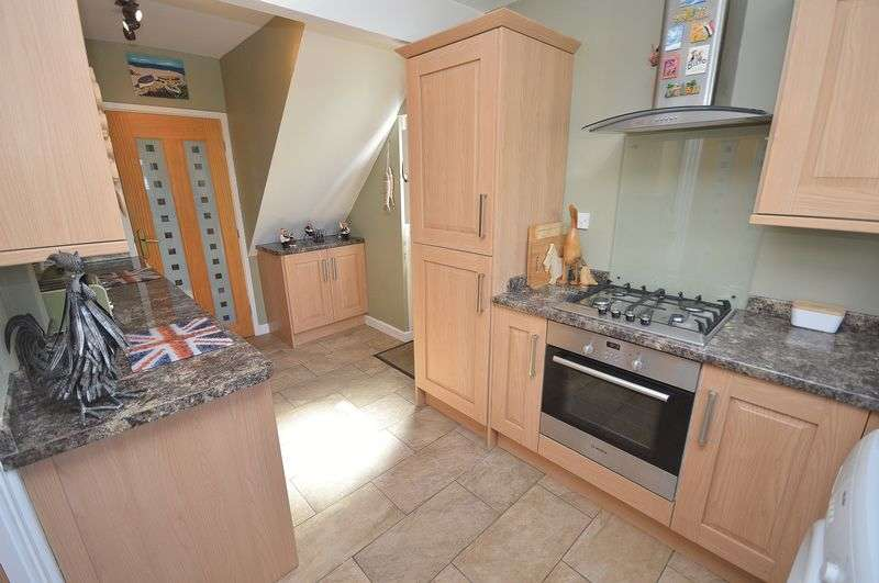 3 Bedrooms Terraced House for sale in Blundell Road, Widnes