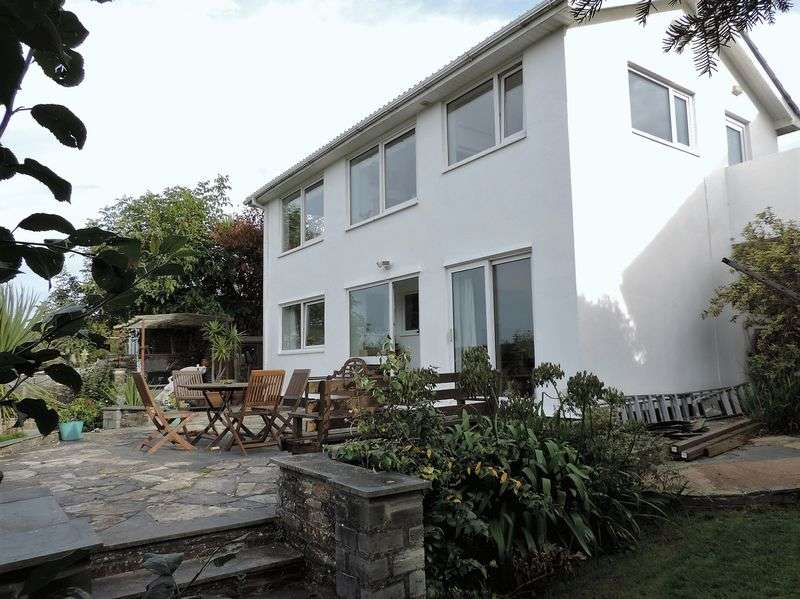 4 Bedrooms Detached House for sale in Nansavallon Road, Truro