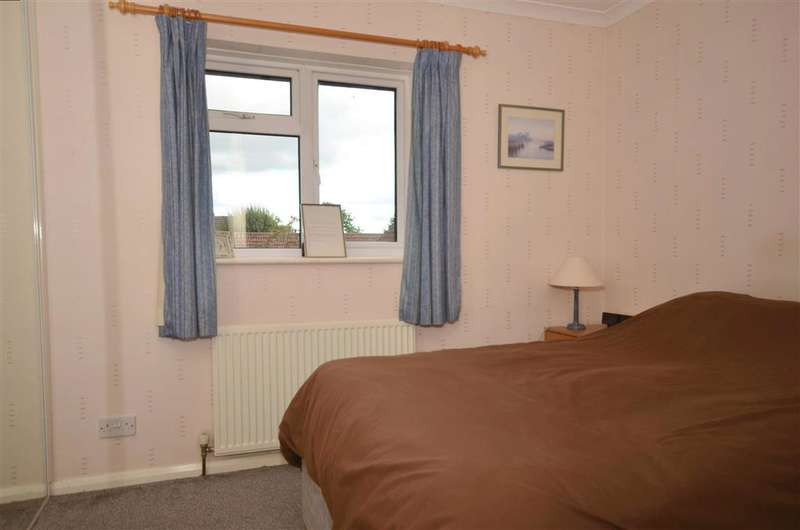 2 Bedrooms Terraced House for sale in Greenfield Drive, Ridgewood, Uckfield, East Sussex