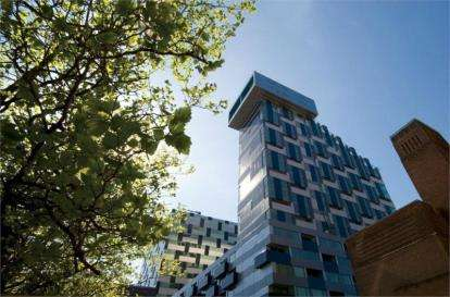 2 Bedrooms Flat for sale in Rumford Place, Liverpool, Merseyside, L3