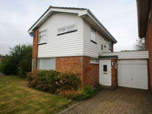 3 Bedrooms Link Detached House for sale in Downsview Road, Horsham, West Sussex, England