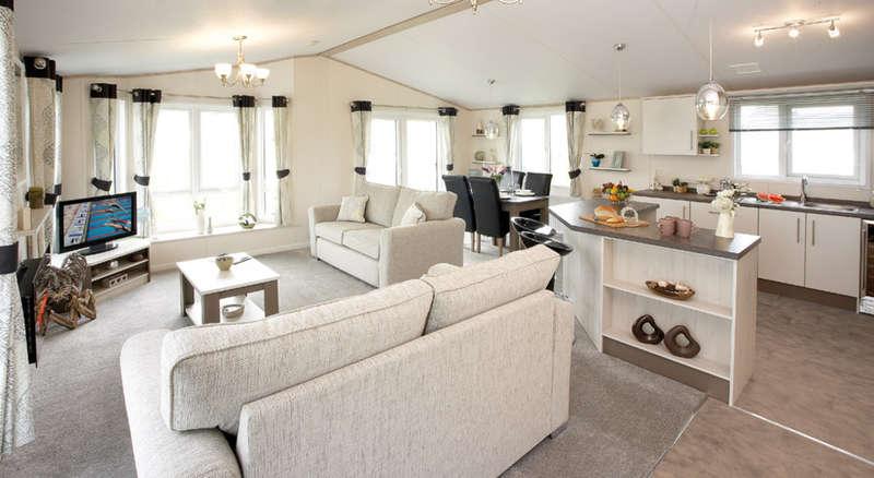 2 Bedrooms Mobile Home for sale in Weeley Bridge Caravan Park, Clacton Road