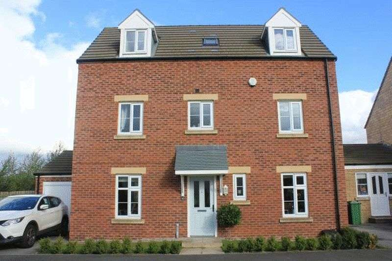 4 Bedrooms Detached House for sale in Tatton Lane, Wakefield