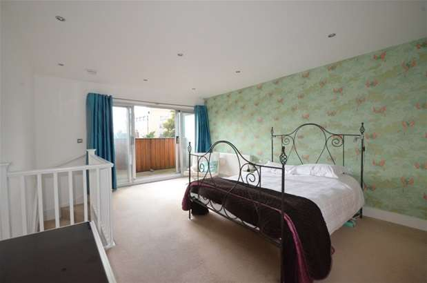 3 Bedrooms Terraced House for sale in Stanford Mews, Dalston, E8