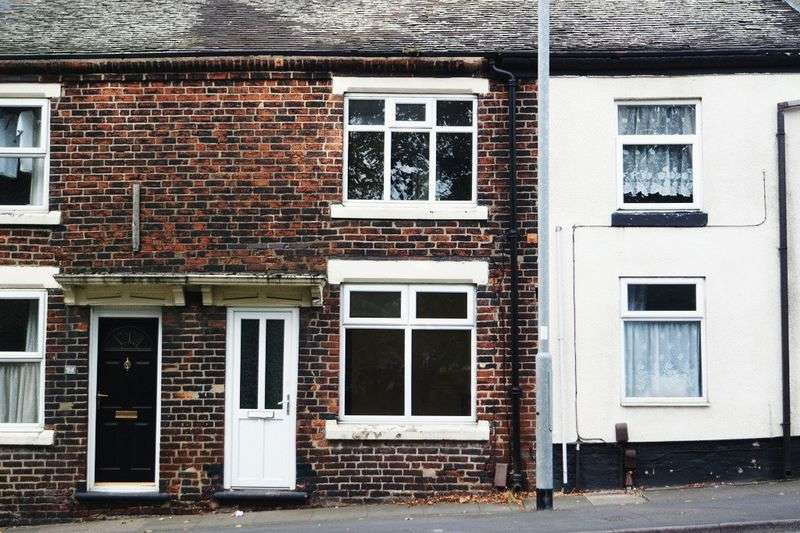 3 Bedrooms Terraced House for sale in Shelton New Road, Shelton, Stoke-On-Trent, ST4 7AB