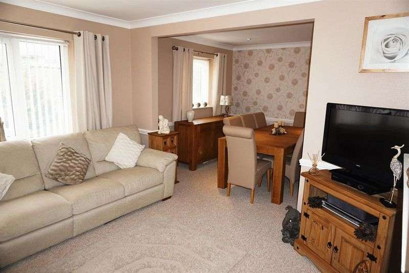 4 Bedrooms Semi Detached House for sale in Weaponness Valley Close, Scarborough