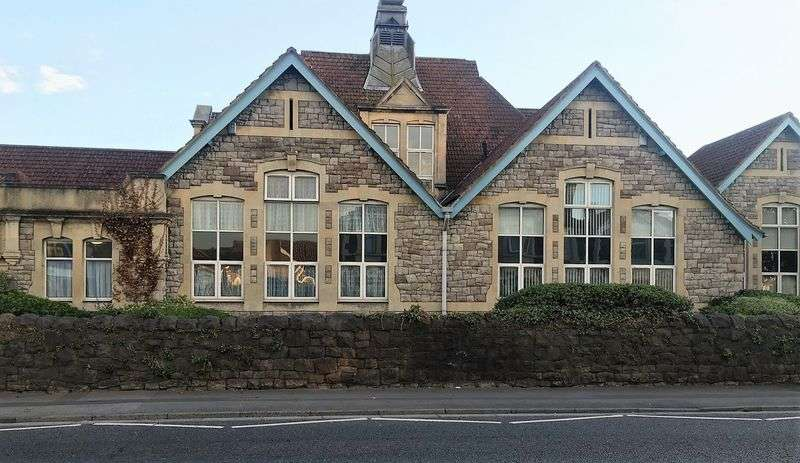 2 Bedrooms Flat for sale in Churchill Road, Weston-Super-Mare
