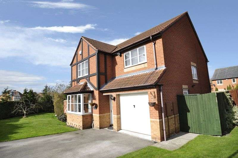 4 Bedrooms Detached House for sale in Huntington Drive, Lawley Bank, Telford
