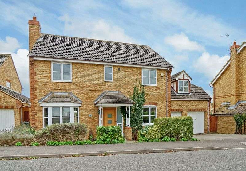 5 Bedrooms Detached House for sale in Varrier Jones Drive, Papworth Everard, Cambridge