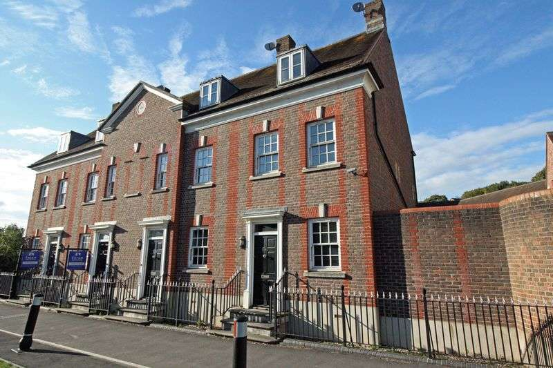 3 Bedrooms Terraced House for sale in Wimborne Road, Blandford Forum