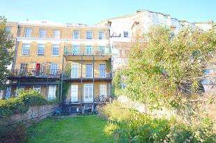 1 Bedroom Flat for sale in East Cliff, Dover, Kent