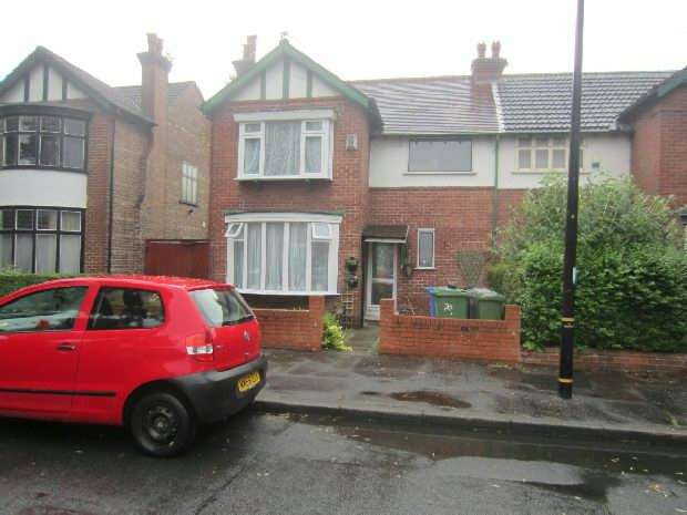 3 Bedrooms Semi Detached House for sale in St Johns Road, Old Trafford, Manchester