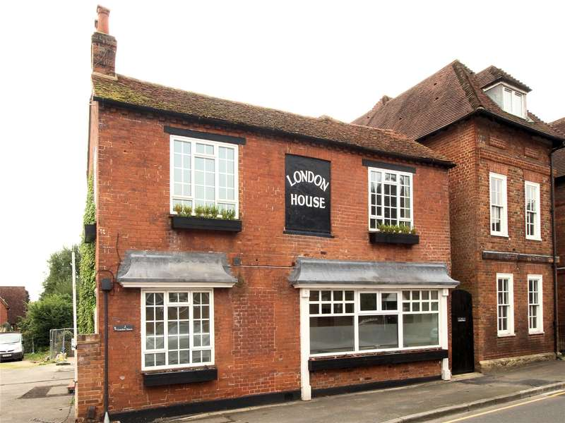 2 Bedrooms Apartment Flat for sale in London House, 134 High Street, Old Woking, Surrey, GU22