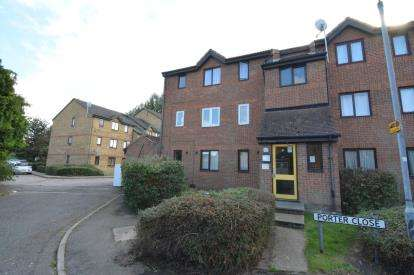 Flat for sale in Grays, Essex