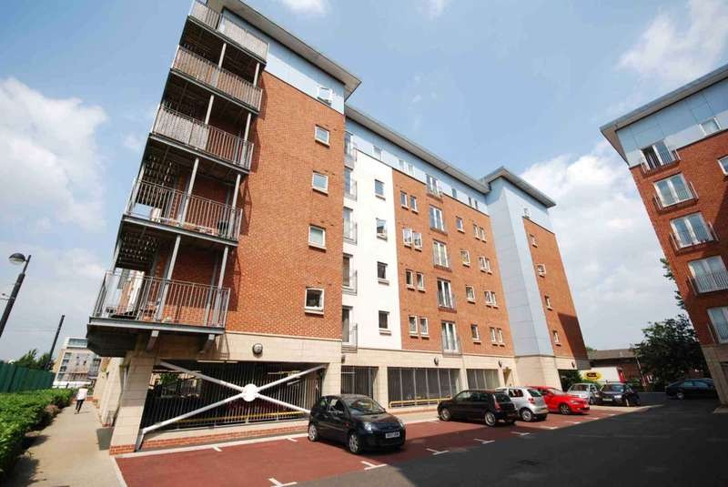 2 Bedrooms Apartment Flat for sale in Almeria Way, Saltra, Salford