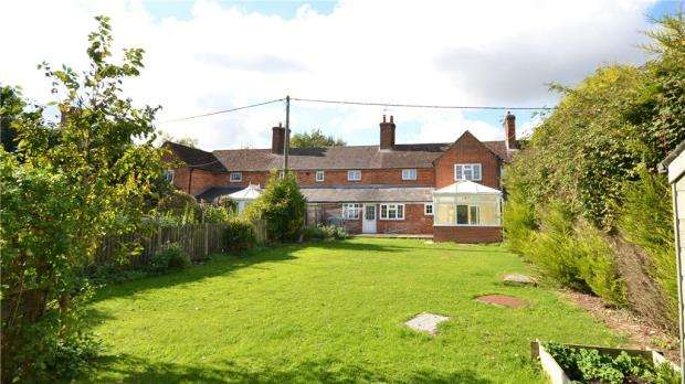3 Bedrooms Terraced House for sale in Popham, Micheldever, Winchester