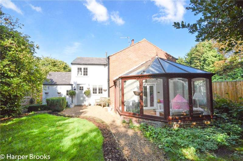 3 Bedrooms Semi Detached House for sale in Ivy Cottages, Station Road, Little Kimble, HP17