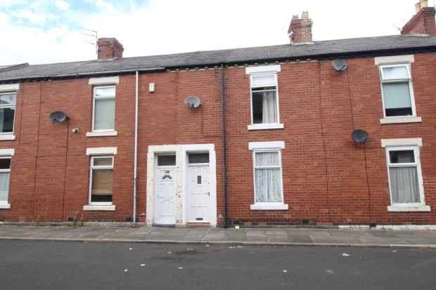 3 Bedrooms Terraced House for sale in Gladstone Street, Blyth, Northumberland, NE24 1HX