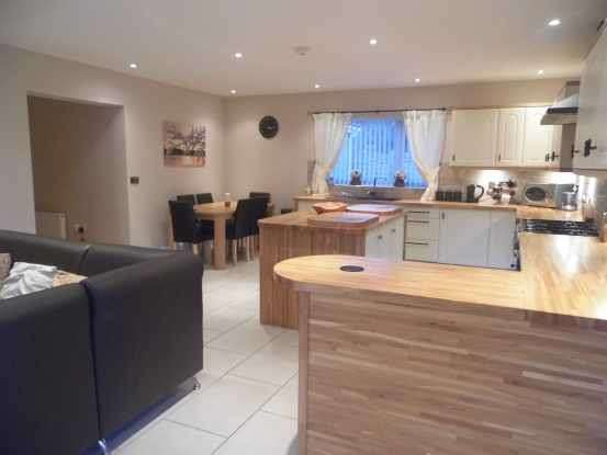 3 Bedrooms Detached Bungalow for sale in West Rainton, Houghton Le Spring, Durham, DH4 6RG
