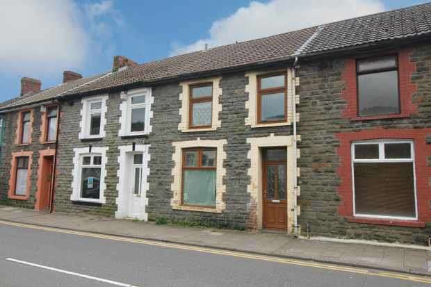 3 Bedrooms Terraced House for sale in Ynyswen Road, Treorchy, Mid Glamorgan, CF42 6ED